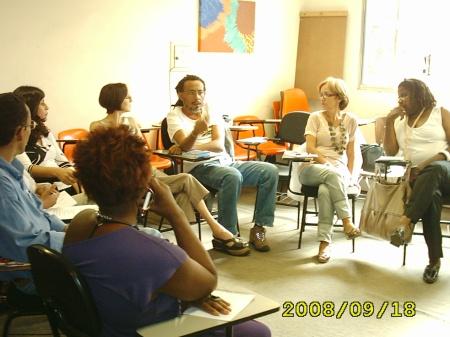 Momento da reunião na APROFE (Foto: Sheila)