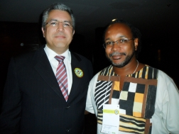 Gestor e representante do controle social conversaram rapidamente durante evento em Brasília (Foto: arquivo pessoal)